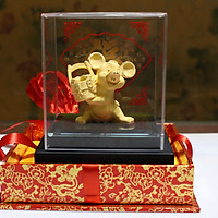 Tượng Nghệ Thuật Phủ Vàng 24k Chuột Tân Niên  KIOJ ( Nhập Hồng Kông) có thể làm Quà Tặng Bạn Bè Người Thân, Quà Biếu Khách Hàng trong những ngày đặc biệt hoặc những ngày có Sự Kiện Lớn. đây là một món Quà Lưu Niệm rất có giá trị về mọi mặt