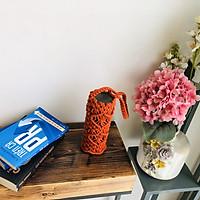 Túi Đựng Bình Giữ Nhiệt Macrame (500-750ml) - đan thủ công 100% từ sợi dệt tim 4mm-thiết kế với hoa văn rất tinh tế , màu sắc trang nhã vừa thuận tiện lại hợp thời trang, đóng góp một phần vào việc bảo vệ môi trường.
