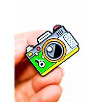 Camera máy chụp hình màu xanh - Pin sticker ghim cài áo
