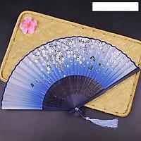 Quạt xếp cầm tay phong cách Trung Quốc quạt cổ trang mẫu hoa nhí bướm đen nền xanh tặng ảnh thiết kế Vcone