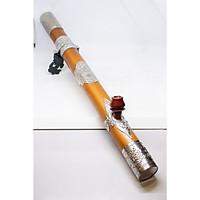 Điếu cày hút thuốc bằng tre bọc bạc với chân điếu họa tiết cá chép và nõ điếu từ gỗ trắc