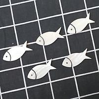 Bộ 5 chiếc Gác đũa Xà Cừ Trắng hình Cá 4,5cm - Phụ kiện giúp bàn ăn sang trọng (R18)