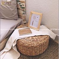 Ghế đôn sofa, làm kê đầu giường, gác chân bằng bèo (lục bình) D40xH20cm/ Woven Hyacinth Round Stool For Home Decor