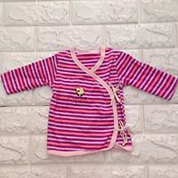 Áo dài tay cột dây bên cho bé từ 1-3 tháng - Họa tiết ngẫu nhiên