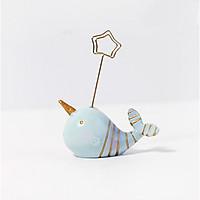 Kẹp ảnh trang trí cá voi sọc vàng đại dương xanh 7x9,5cm