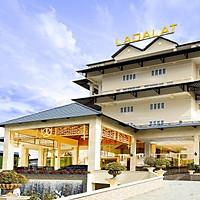 Ladalat Hotel 5* Đà Lạt - Buffet Sáng, Hồ Bơi, Gần Thung Lũng Tình Yêu, Miễn Phí Tham Quan Vườn Dâu, Vườn Rau, Xe Đưa Đón Chợ Đà Lạt, Nhiều Ưu Đãi Hấp Dẫn