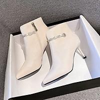 Boots Cổ Thấp Mũi Nhọn Khoá Cạnh Mix Quai Đá Lạ Mắt (Mã 905) Kèm Tất Gấu