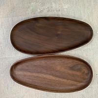 Đĩa lệch gỗ óc chó - đựng đồ ăn, trang trí bàn ăn, quán cafe - kích thước 12x26cm  (đầu hẹp 8cm)