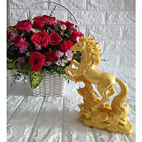 Tượng ngựa vàng bằng đá NDV24