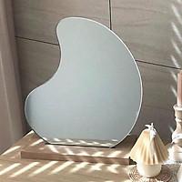 Gương trang điểm để bàn hình củ lạc có đế decor sang trọng