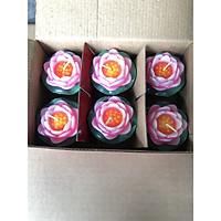 hộp nến có 6 bông hình hoa sen có đế bằng lá 6x7cm