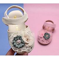 Giầy sandal tập đi cho bé gái đính bông hoa xinh xắn hàng chất lượng cao.