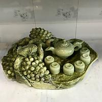 Bộ ấm chén pha trà, bộ ấm trà ngọc serpentine từ đá ngọc tự nhiên đục và tạc tạo thành khay trái nho rộng 50cm cao 20 nặng 20 kg đá tự nhiên 50x45x20x20kg