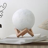 Đèn ngủ để bàn trang trí, đèn mặt trăng 3D cảm ứng thông minh ( chạm, vỗ) đổi 16 màu đế gỗ kèm điều khiển từ xa siêu tiện ích