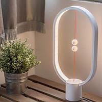 Đèn bàn cân bằng trang trí Heng Balance Lamp chính hãng Allocacoc