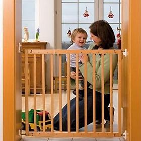 Cửa chặn cầu thang an toàn cho bé màu gỗ tự nhiên