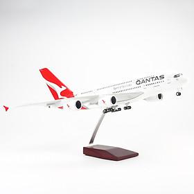 Mô Hình Máy Bay AIRBUS A380 QANTAS 1:160 EVERFLY ( 47CM - CÓ ĐÈN LED )