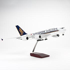 MÔ HÌNH MÁY BAY AIRBUS A380 SINGAPORE AIRLINES 47CM (LED)