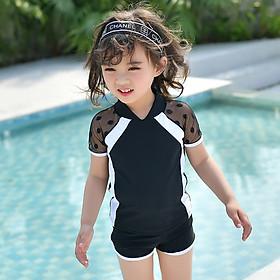 Đồ bơi bé gái gọn gàng kín đáo