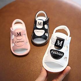 (A809)  Dép tập đi chữ M cho cả bé trai và bé gái - Quai dán tiện lợi ôm chân - Đế mềm kêu bíp bíp rất thu hút các bé
