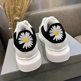 Giày thể thao nữ m c q hoa cúc