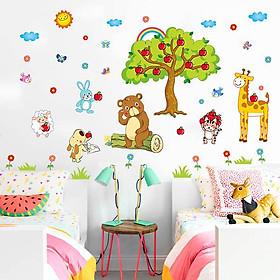 Decal dán tường vườn thú và cây táo