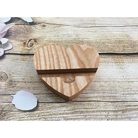 Kệ gỗ kê điện thoại, smartphone, giá đỡ iPhone bằng gỗ hình trái tim