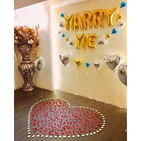 set 50 nến tealight đỏ trang trí và 100 cánh hoa hồng giả