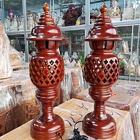Cặp đèn thờ gỗ tràm bông vàng cao 23m