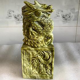 Ấn rồng ngọc serpentine xanh lá (ngọc việt nam cao) cao 23 cm nặng 3.2 kg cho công danh vững bước. Cao23xNang3.3kg
