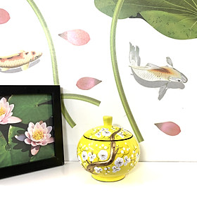 Hũ Sơn Mài Tròn Đắp Nổi Φ11cm - Vẽ hoa mai trắng & nền vàng