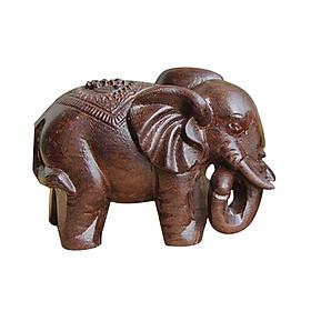 Tượng gỗ chú voi con phong thủy mang nhiều tài lộc và trang trí bàn làm việc
