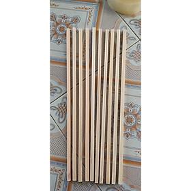Combo 10 thanh gỗ thông vuông kích thước 1x1x50 cm làm mô hình, thủ công, đồ chơi, trang trí
