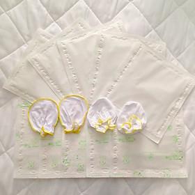 Set gồm 03 bịch giấy lót phân su cho bé - Tặng kèm 01 set bao tay chân sơ sinh màu ngẫu nhiên