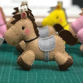 Móc khóa treo túi hình ngựa Horse đáng yêu nâu nhạt