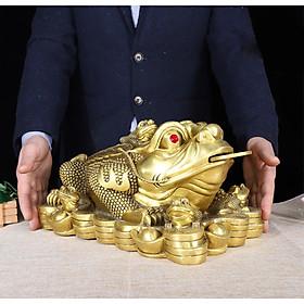 Tượng linh vật thiềm thừ cóc ba chân bằng đồng thau phong thủy Tâm Thành Phát