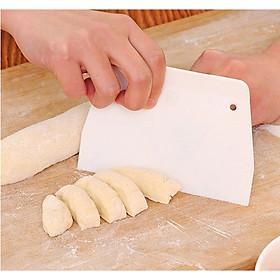 Dụng Cụ Cắt Và Vét Bột Làm Bánh Nhựa
