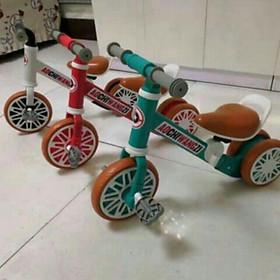 Xe đạp thăng bằng chòi chân có bàn đạp cao cấp