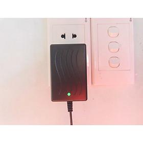 Sạc Pin Dành Cho Xe Ô Tô & Xe Máy Điện Trẻ Em 6V Có Đèn Báo Pin