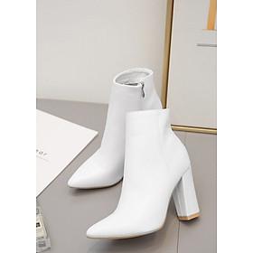 Boot nữ trắng 10cm mũi nhọn gót vuông THỜI THƯỢNG GBN5702