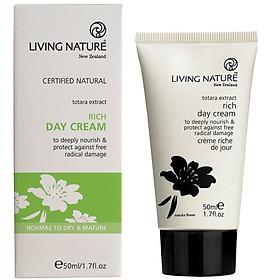 Kem Dưỡng Ẩm Living Nature Rich Day Cream