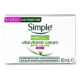 Kem dưỡng ngày Simple Kind To Skin Vital Vitamin Day Cream SPF15 50ml