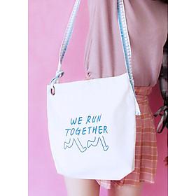 Túi đeo chéo TOTE Hàn Quốc WE RUN TOGETHER