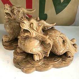 Tỳ hưu đá tự nhiên màu vàng cho người mệnh Kim và Thổ ngọc tự nhiên vàng nâu của VN nặng 8.5kg bao gồm cả chân đế