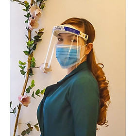 Tấm chắn trong suốt bảo vệ mặt cao cấp, không gây lóa mắt, free size. Chắn giọt bắn, khói, bụi, nước bọt. Tái sử dụng nhiều lần, Sát trùng bằng nước sôi, cồn 90 độ và các dung dịch khử khuẩn y tế khác (Face Shield)