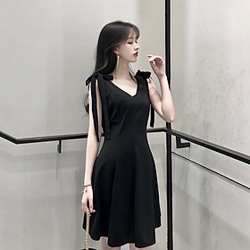 Fun Women Lady Summer Fashion Sleeveless v-Neckline Black Solid Color Dress