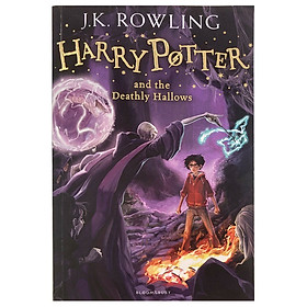 Harry Potter and The Deathly Hallows : Book 7 (Harry Potter và Bảo Bối Tử Thần) (Paperback) (English Book)
