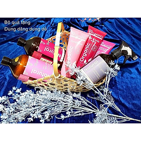 Set Quà tặng Dung Dăng Dung Dẻ Little Innoscents(Organic Moisture Rich Body Lotion, Cherry Coconut Hair & Body Wash, Cherry Coconut Conditioner, Eco Laudry Liquid, Eco Fabric Softener, Multi-purpose Surface Cleaner)