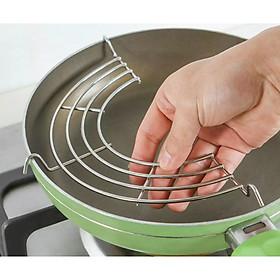 Vỉ gác chảo rán inox tặng kèm khăn lau bếp đa năng