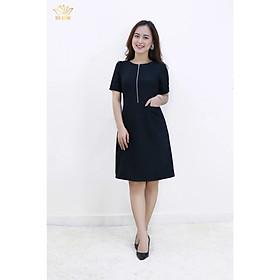 Đầm thiết kế danh cho đầm đẹp công sở và đầm tuổi trung niên form đầm suông phối khóa trước CV đen TTV540